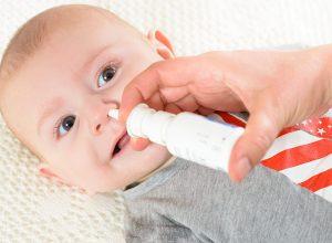 Hướng dẫn cách lấy gỉ mũi khô cho trẻ sơ sinh đơn giản và an toàn