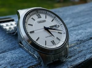 Tại sao nên chọn đồng hồ máy cơ tự động Citizen NY4051-51A?